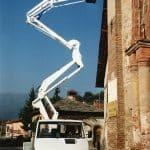 Selbstfahrende Hubarbeitsbühnen mit einer Tragfähigkeit von bis zu 300 kg