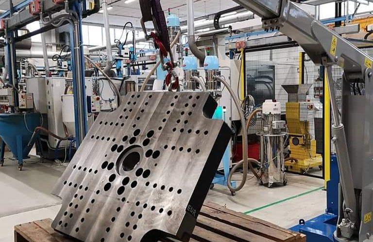 Elektrische hijskranen voor het heffen van ladingen tot 750 kg.