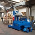 Mold lifting machine with capacity up to 12.000 kg.