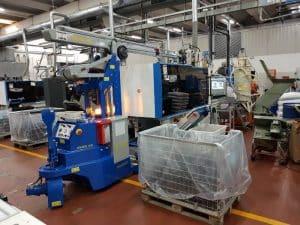 Kräne für Pressen mit einer Schliesskraft bis 2.000 kg