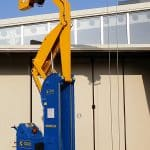 Sale or rental of used cranes for lifting loads up to 2.500 kg.
