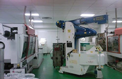 Mold lifting machine with capacity up to 4.000 kg.