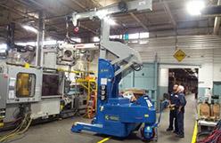 Kran för formverktyg med kapacitet upp till 6.000 kg.